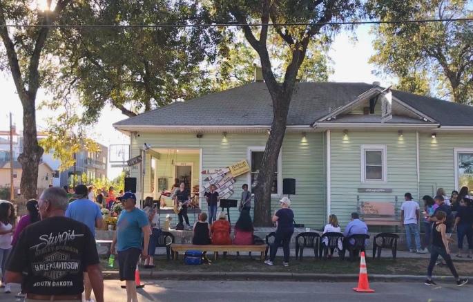 Bishop Arts Concert on a Porch